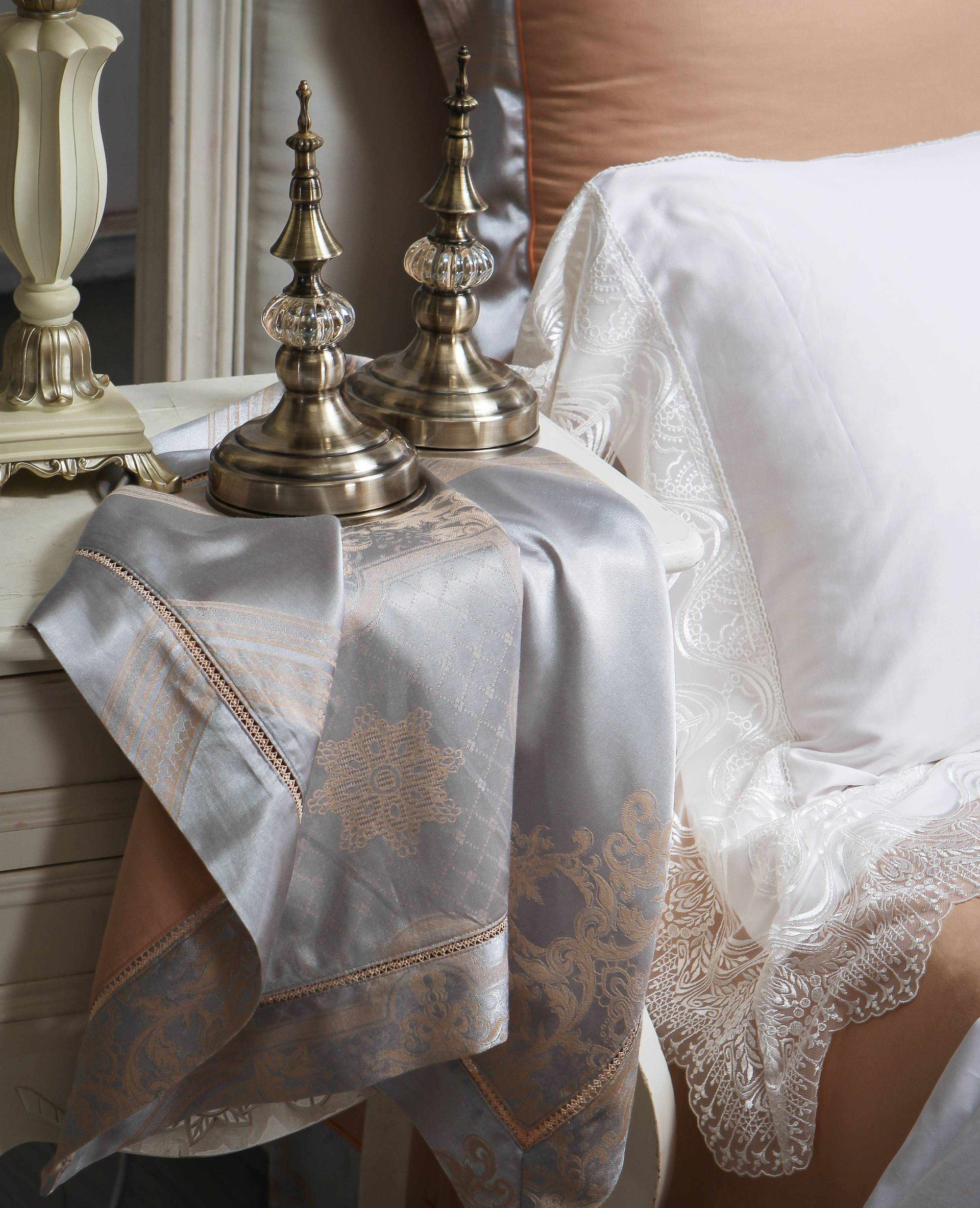 Luxury Style Polyester and Cotton Sheet Set 6876