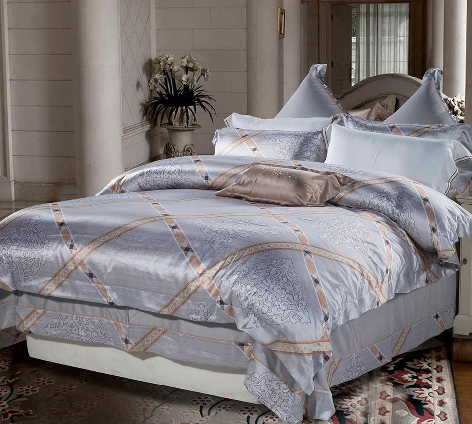 Attractive Patterned Bedding Set Polyester and Viscose 6851